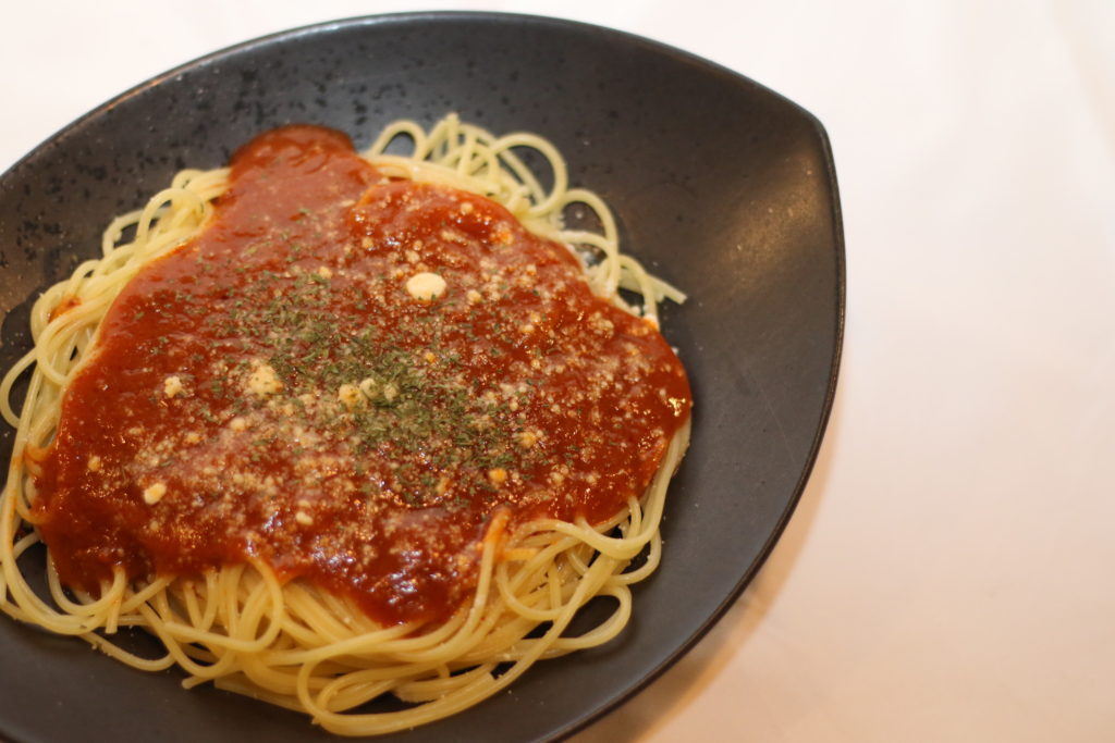 <strong>ミートソースパスタ<br>〜Spaghetti Bolognese〜</strong> 1,100<small>円</small><br>
